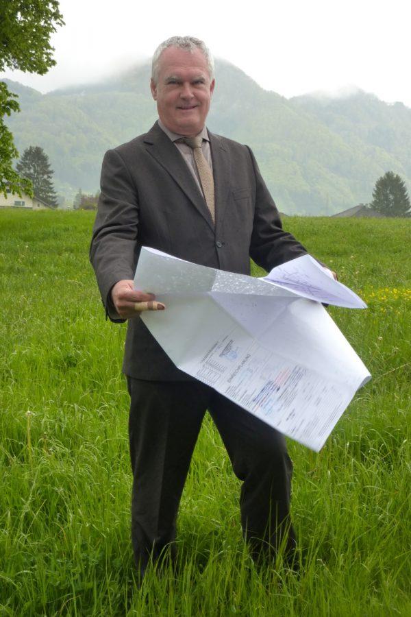 Mollns Bürgermeister Fritz Reinisch zeigt über die günstige Entwicklung in seiner Gemeinde sehr erfreut.