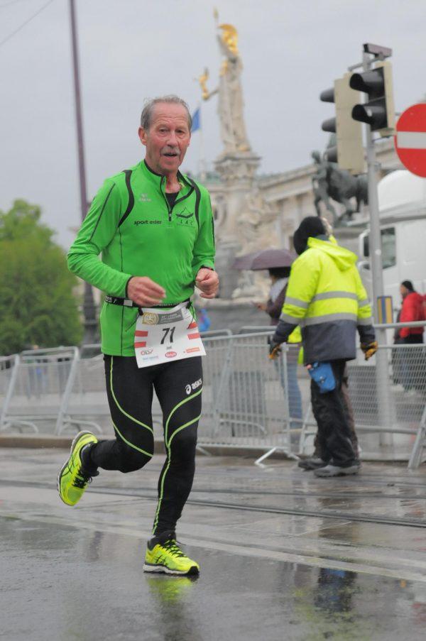 Sepp Schwarzer beim Vienna City Marathon